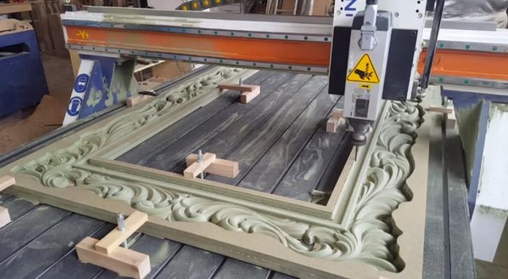 Procesul prin care această maşină de înaltă precizie sculptează în lemn îţi va capta atenţia. Este fascinant!