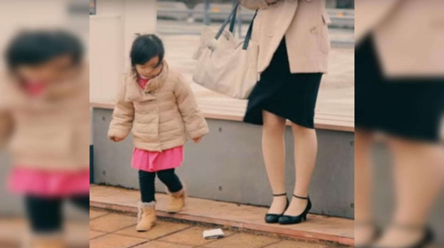 S-au prefăcut că îşi pierd portofelul pentru a vedea cum reacţionează copiii, iar reacţiile lor au fost halucinante. La asta nu s-au aşteptat!